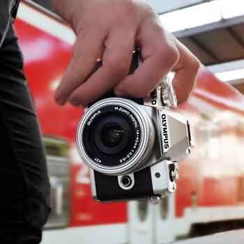 OLYMPUS 奥林巴斯 E-M10 MarkIII 微单相机 双镜头套机(14-42mm+40-150mm) 图3