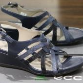 ECCO 爱步 触感系列 女士真皮坡跟凉鞋 4折 $60 到手¥485