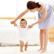 怎样正确训练宝宝走路?