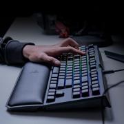 RAZER 雷蛇 黑寡妇蜘蛛 V2 机械键盘上手体验