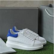 Alexander McQueen亚历山大 麦昆小白鞋 金蓝色