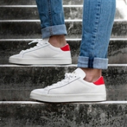 Adidas Courtvantage 男士板鞋