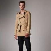 巴宝莉(BURBERRY)   Chelsea 40107191 男士短款风衣