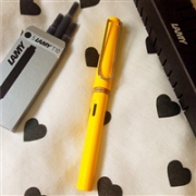 LAMY 凌美 safari狩猎者F尖墨水笔 (含吸墨器) 黄色/绿色