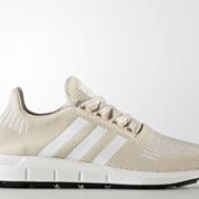 大码福利!Adidas 阿迪达斯 Swift Run 女款休闲运动鞋