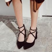 10款适合职场穿着的高跟鞋