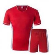 限尺码: TN 踏牛 足球服套装 儿童/成人码可选9.9元包邮(需用券)