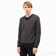 Calvin Klein 男士美利奴V领针织衫$26.86