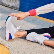 Nike 2018年度巨作!跑鞋突破性革命性创举,Epic React Flyknit跑鞋全美发售特价$150+免邮
