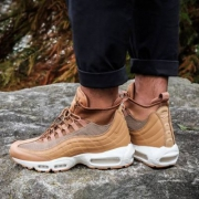 Nike Air Max 95 多款新色上架!SneakerBoot 男士运动鞋 6折$119.97