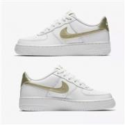 Nike 耐克 空军一号 Air Force 1 '06大童款运动鞋8折售价$59.97+4%积分返现,部分用户自带8折