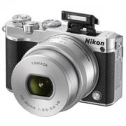 Nikon 尼康 1 J5( VR 10-30mm f/3.5-5.6 PD)无反套机套机1499元