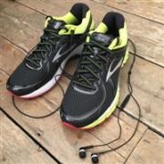 Brooks 布鲁克斯 GTS 16 男子跑步鞋特价3980日元(约232元)