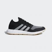adidas 阿迪达斯 SWIFT RUN PK 男款休闲运动鞋