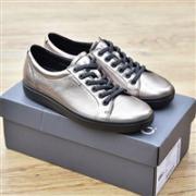 ECCO 爱步 Soft 7 柔酷7号 女士金属色牛皮休闲鞋4.5折$67.99,转运到手约520元