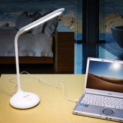 松下(Panasonic)   HHLT0220 LED台灯 白色¥88