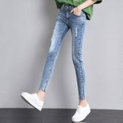 云兽宫 女款 九分牛仔裤¥40