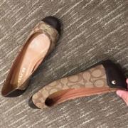 COACH蔻驰Chelsea女士真皮舒适平底鞋 两色特价$33.67,转运到手约295元