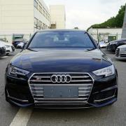 奥迪(AUDI)  S4 3.0 TFSI 米索斯黑/黑内 现车优惠一个点