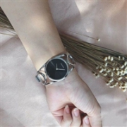 Calvin Klein 凯文克莱 Round 系列 女士简约时装腕表 K5U2M141