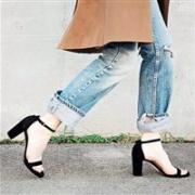GIGI同款:Stuart Weitzman Nearlynude 麂皮高跟凉鞋 多色可选