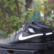 Nike 耐克 Air Jordan 1 Retro HIGH 篮球鞋 黑色大童款