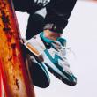 18日9点、新款: Nike 耐克 Air Max2 Light 男子运动鞋899元