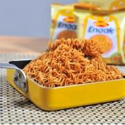网红零食、沃尔玛有售:16gx15包 印尼进口 GEMEZ Enaak Extra小鸡风味干脆面