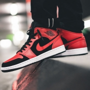 NIKE 耐克 Air Jordan1 MID AJ1 篮球鞋