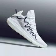 限UK9/11码,Y-3 Kusari 新款男士运动鞋 £140.25(需用码)
