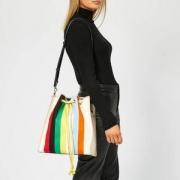 JW Anderson 女士抽绳彩虹条纹水桶包