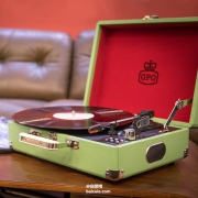 GPO Retro Attache 公文包造型复古黑胶唱机