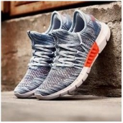 XTEP 特步 982219116999 男子跑步鞋 139元包邮(需用券)139元包邮(需用券)