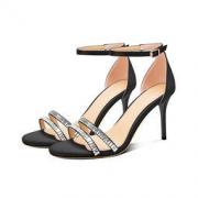Luiza Barcelos 女士一字扣高跟鞋139元包邮(需用券)