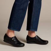限尺码,Clarks 其乐 女士 Hope Roxanne 皮革低跟乐福鞋211.16元