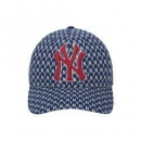 MLB 美国职棒大联盟 32CPFB 洋基队格纹刺绣鸭舌帽 55cm-59cm366.4元包邮(满1件8折)