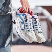 再降价:SKECHERS 斯凯奇 999688 男士复古运动鞋 219元包邮(需用券)