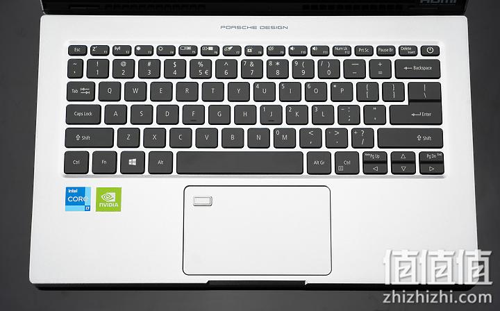 Acer 宏碁 Book RS 保时捷限量版笔记本电脑C面