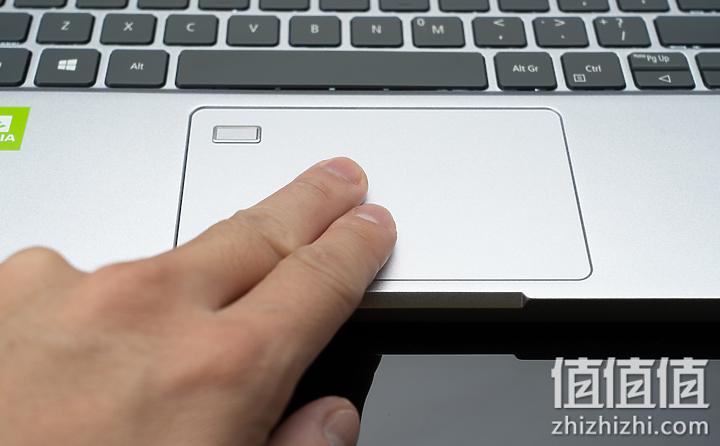 Acer 宏碁 Book RS 保时捷限量版笔记本电脑的触控板