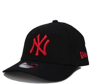 New Era Yankees Essential 9FORTY 可调节男童棒球帽