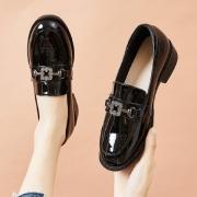 Miiow 猫人 48023620245 女士英伦风小皮鞋104元包邮(需用券)