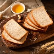 88VIP:黑全麦面包 500g+ 豆本豆 豆奶唯甄原味250ml*24盒