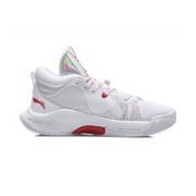 LI-NING 李宁 Silencer CJ.迈克勒姆 ABPQ049-3 男子篮球鞋¥258.00 4.6折 比上一次爆料降低 ¥240