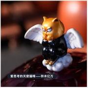 XQ 稀奇 瞿广慈作品《Mini天使比比-铃木亿万》10.5×14×7cm 2020年 桌面摆件 艺术衍生品